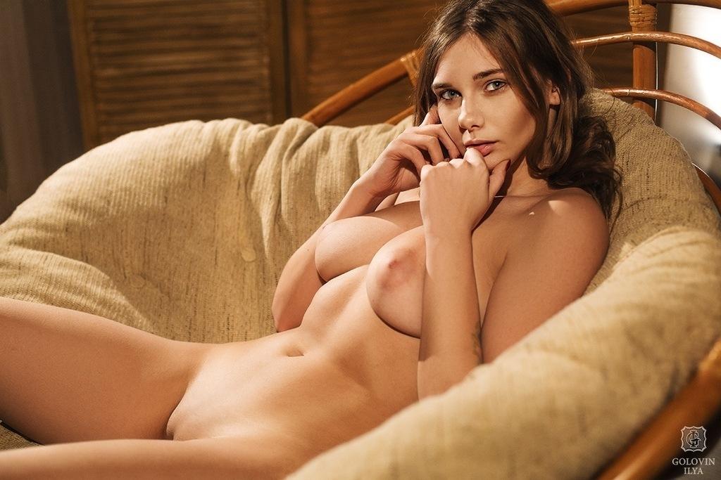 Nude natasha